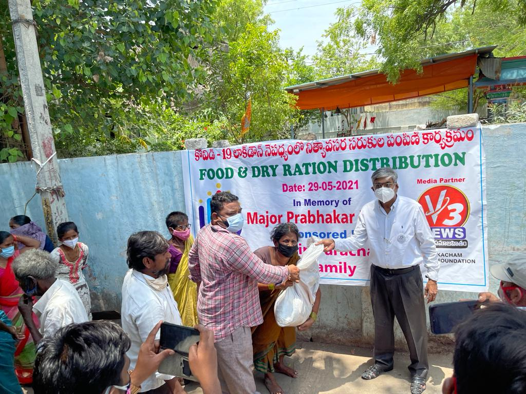 Food distribution to 1000 labourers in Hyderabad